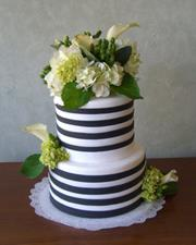 Black and White Striped Cake (2)